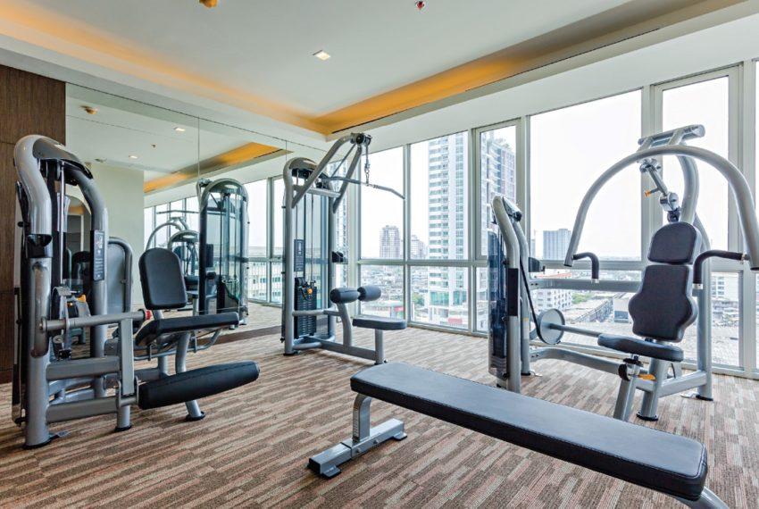Sky Walk Condominium near Phra Khanong BTS - fitness