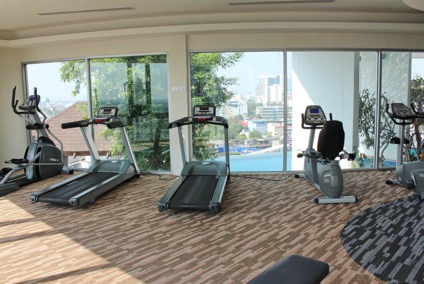 Sky Walk Condominium near Phra Khanong BTS - fitness room