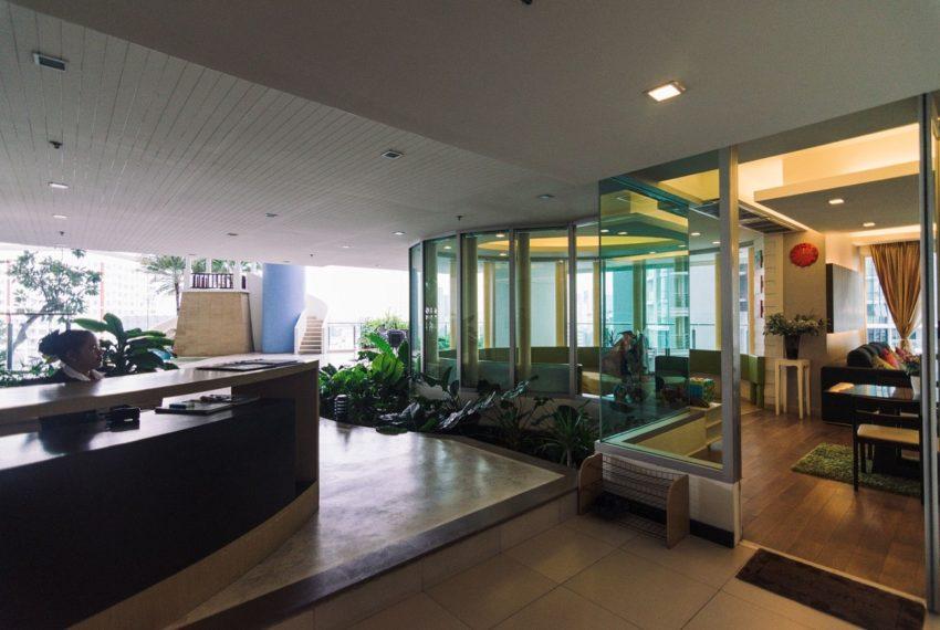 Sky Walk Condominium near Phra Khanong BTS - meeting room