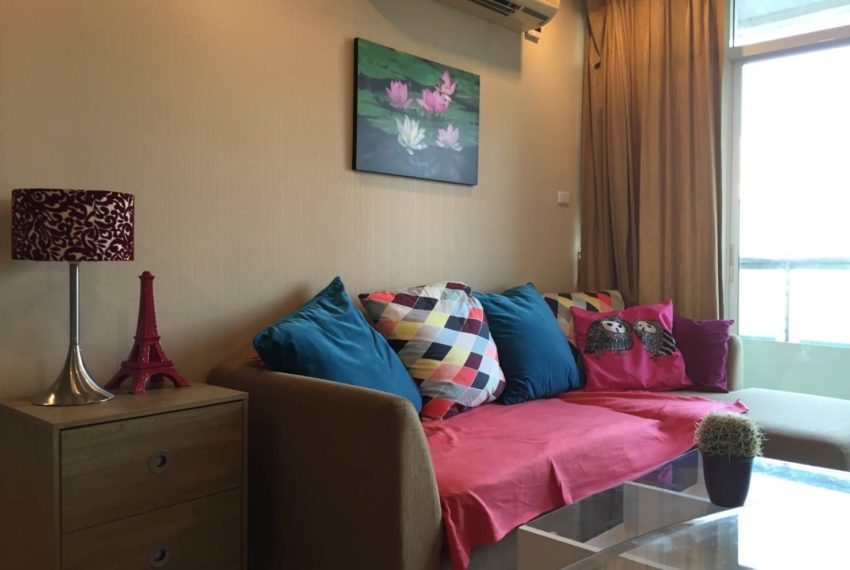 Sukhumbit-City-Resort-2b2b-mid-floor-sale-living