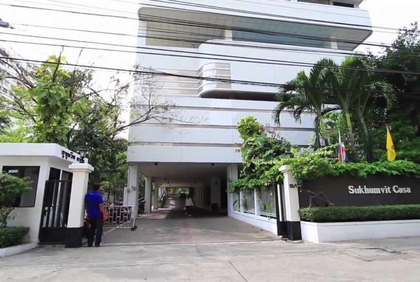 Sukhumvit Casa condo - entrance