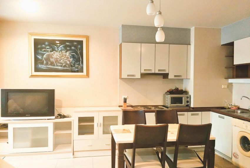 Sukhumvit City Resort 2 bedrooms sale - dinning