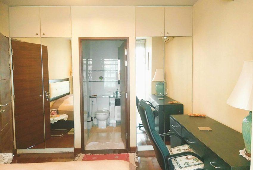 Sukhumvit City Resort 2 bedrooms sale - toilet