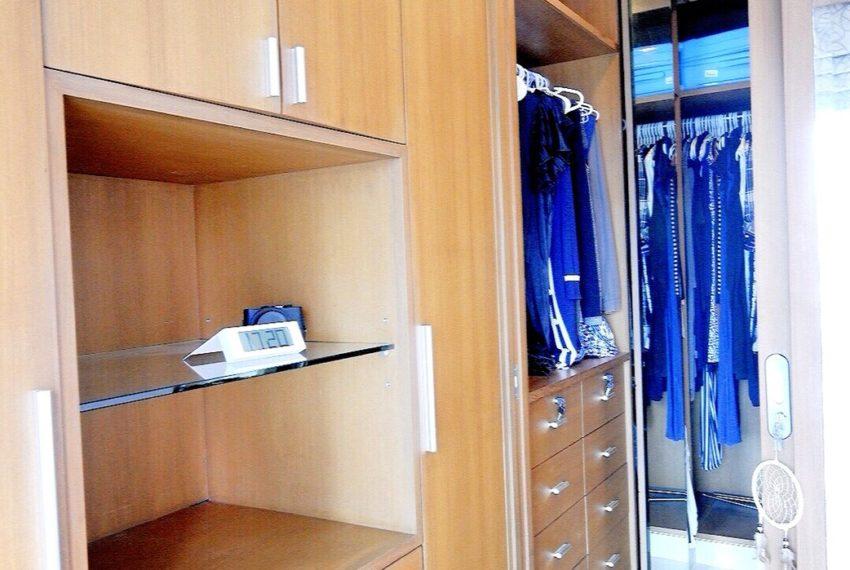 Sukhumvit-City-Resort-2-beds-sale-builtin