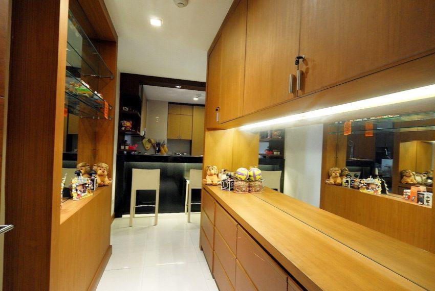 Sukhumvit-City-Resort-2-beds-sale-dinning