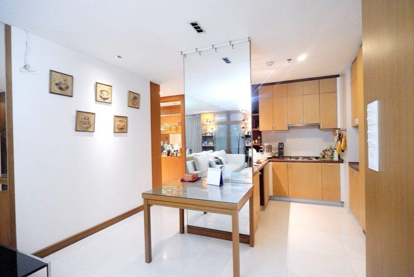 Sukhumvit-City-Resort-2-beds-sale-kitchen