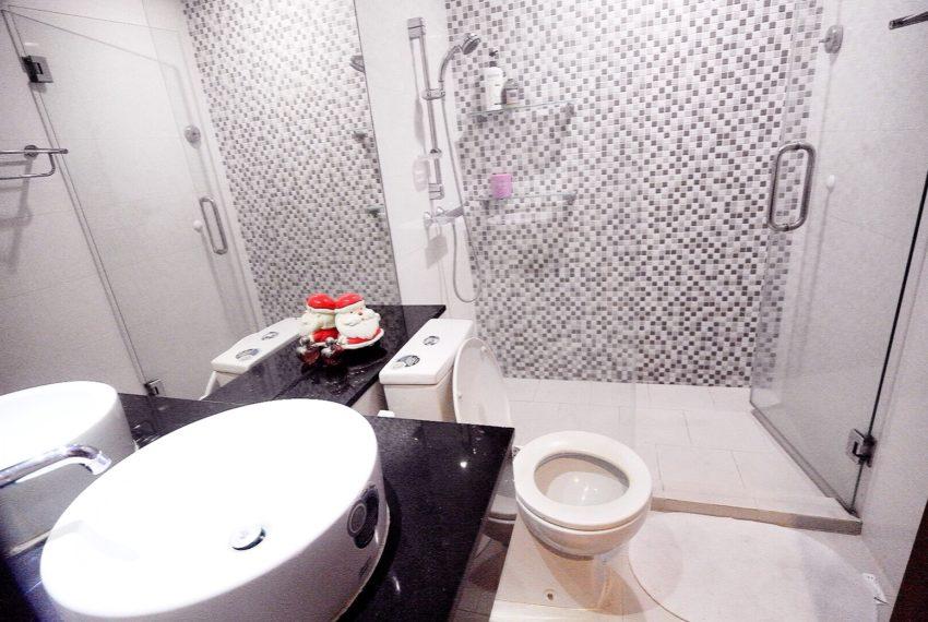Sukhumvit-City-Resort-2-beds-sale-toilet
