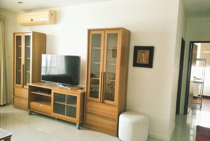 Sukhumvit-City-Resort-2b2b-86sqm-sale-living-room