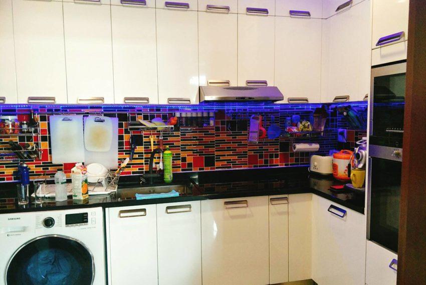 Sukhumvit City Resort 2b3edrooms - kitchen