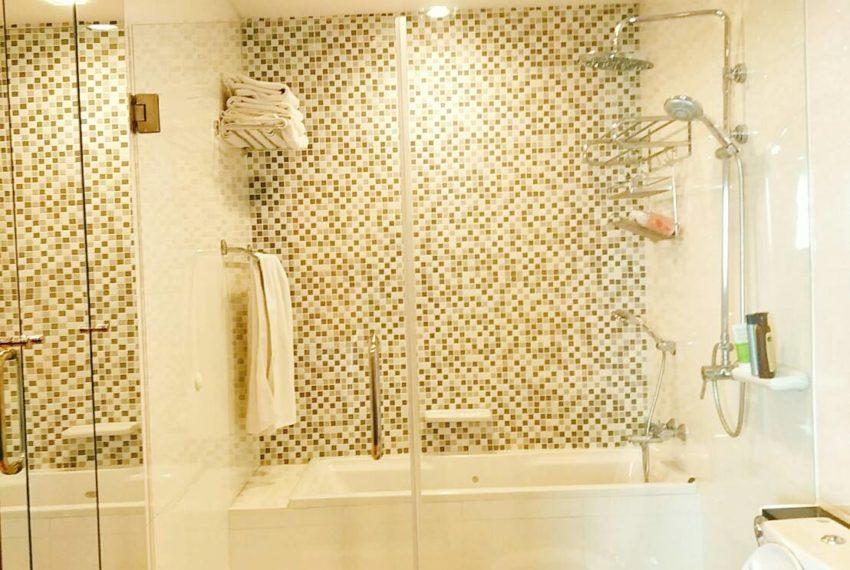 Sukhumvit City Resort 2b3edrooms - shower
