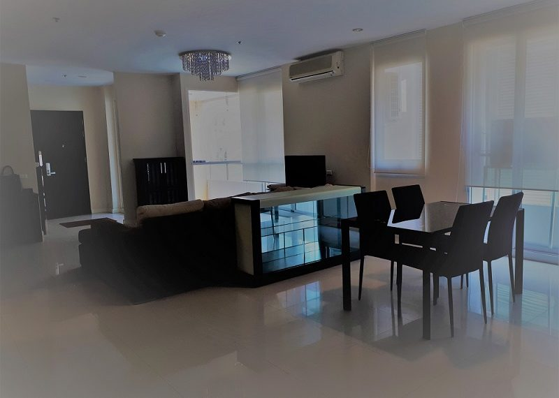 Sukhumvit City Resort 3b3b - nice furniture