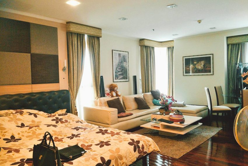 Sukhumvit City Resort Studio - living