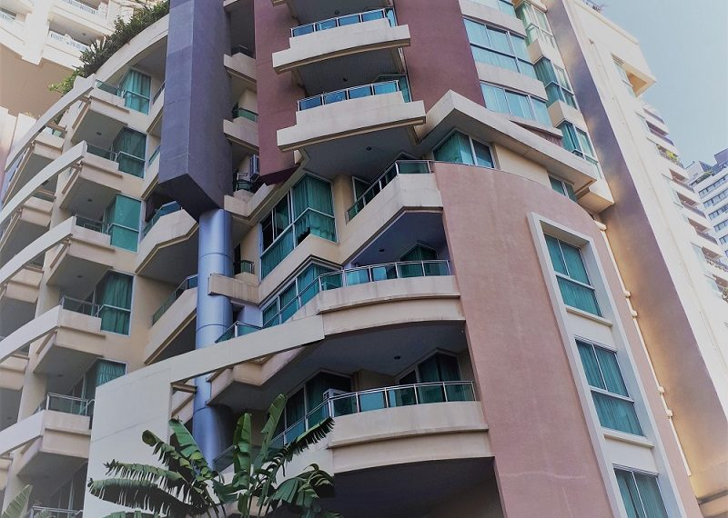 Sukhumvit City Resort building 01