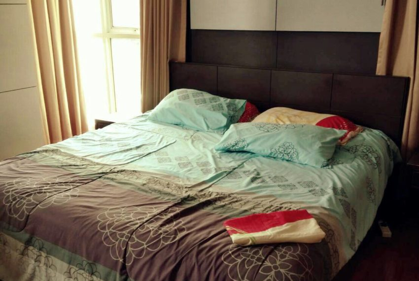 Sukhumvit-City-Resort-sell-1bed-high-floor-bed