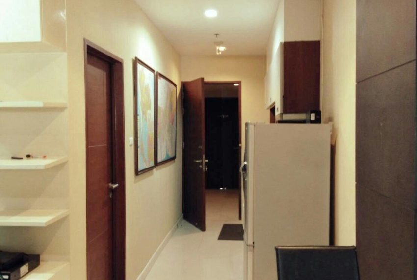 Sukhumvit-City-Resort-sell-1bed-high-floor-entrance-door