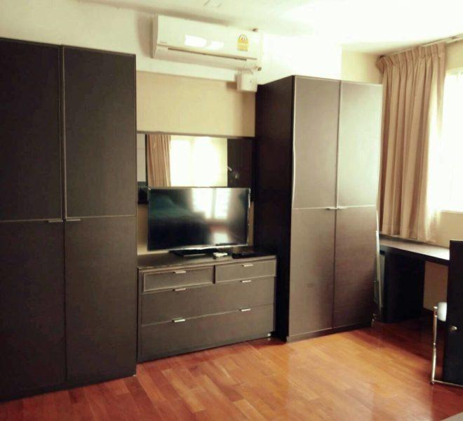 Sukhumvit-City-Resort-sell-1bed-high-floor-flatTV