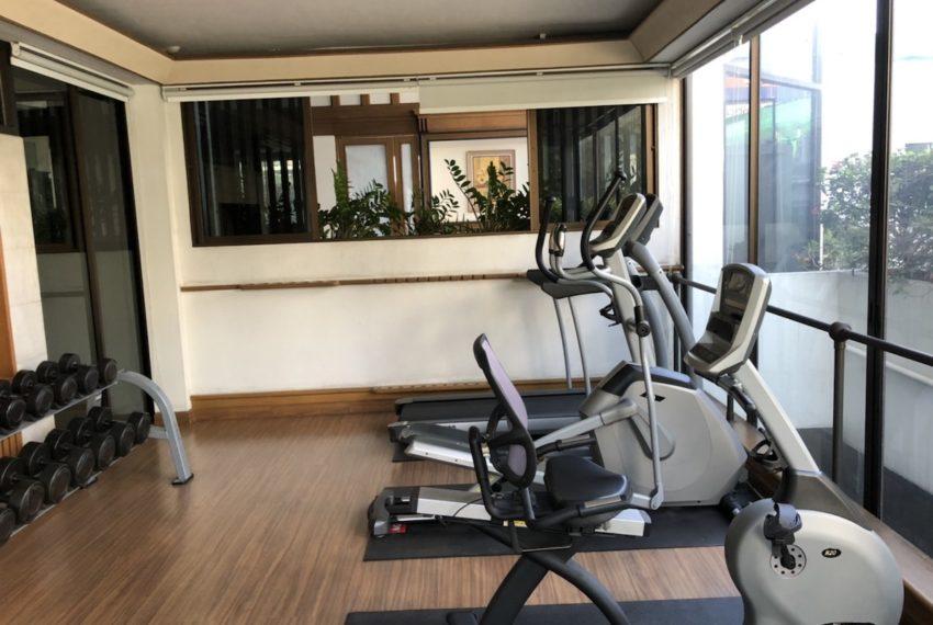 Sukhumvit House Condominium near Asoke BTS - fitness