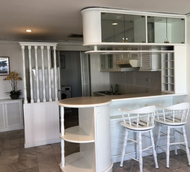 Cheap rent of large flat in Asoke - 2 bedroom - Sukhumvit House condo