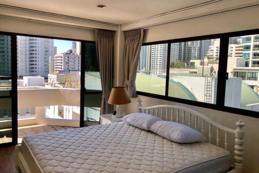 Sukhumvit House condo near Asoke BTS - Rent 2 bedroom - bed