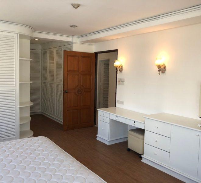 Sukhumvit House condo near Asoke BTS - Rent 2 bedroom - bedroom