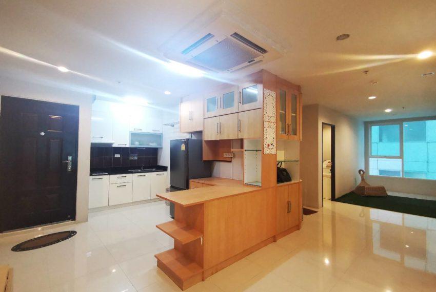 Sukhumvit Living Town - 2 beds 2 baths - For Sale_Kitchen 2