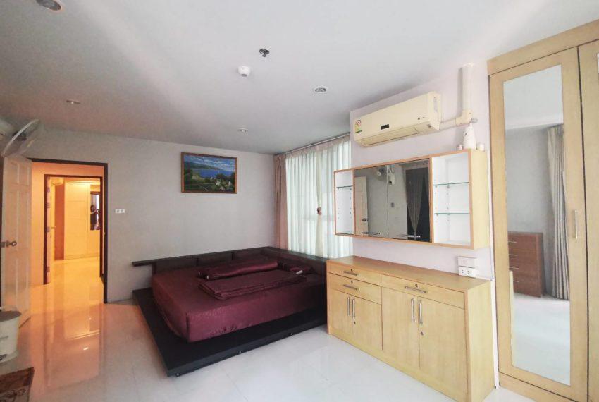 Sukhumvit Living Town - 2 beds 2 baths - For Sale_Master bedroom
