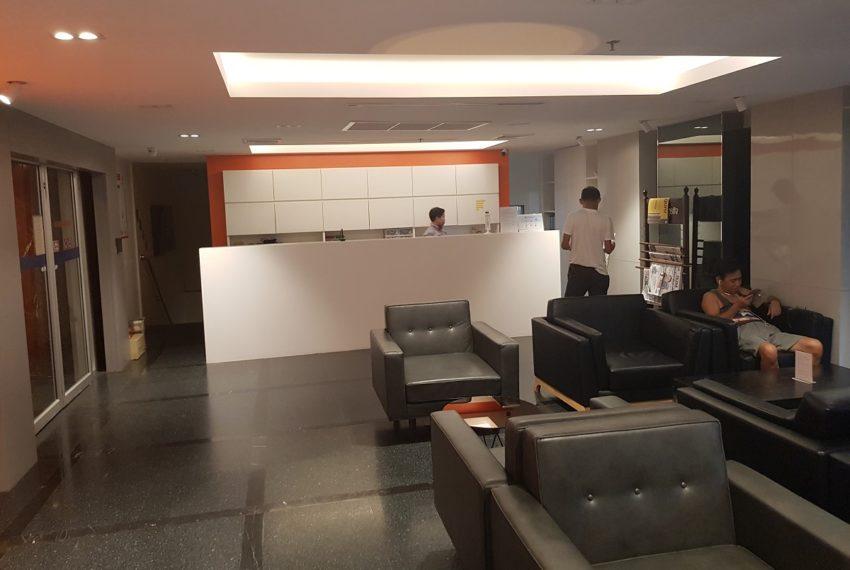 Sukhumvit Suite Condominium - lobby