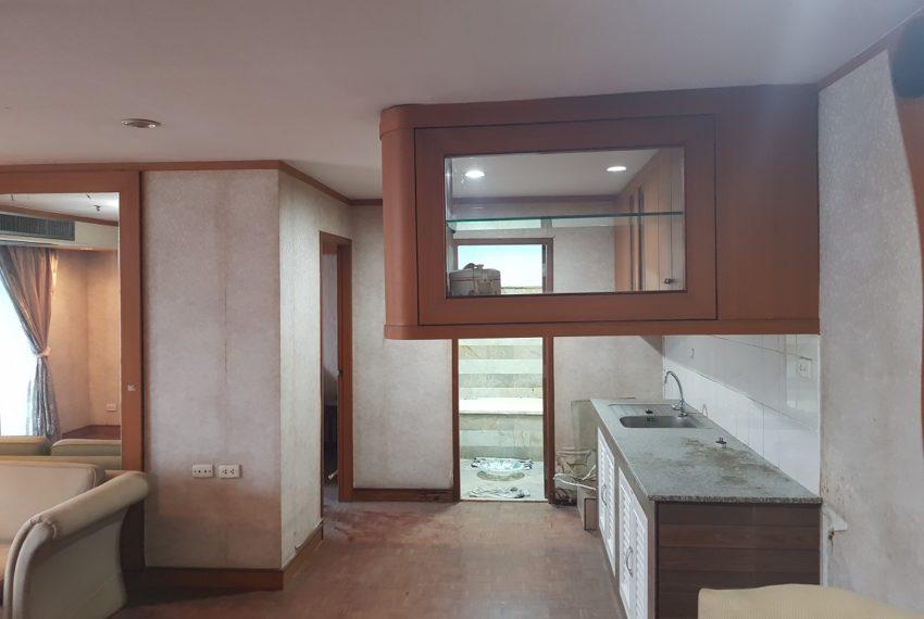 Sukhumvit Suite - apartment for sale - need renovation