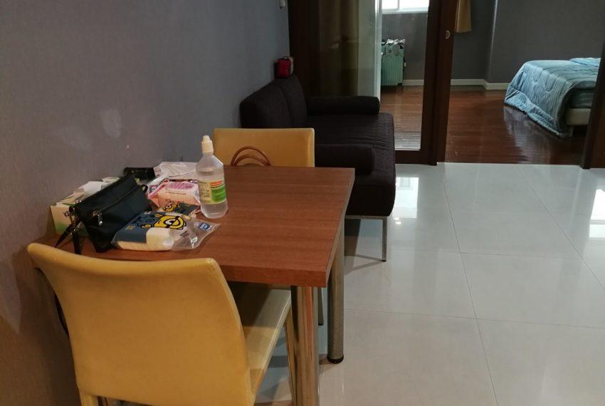 Sukhumvitcityresort_1b1b_diningroom