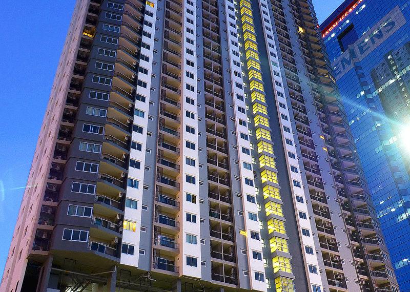 Supalai-Park-Ekkamai-Thonglor-building