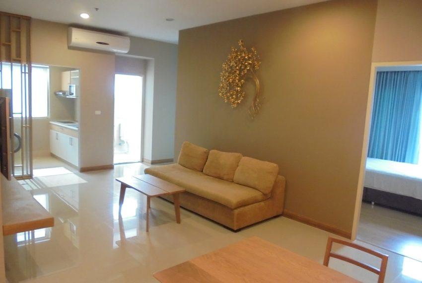 Supalai-Park-Ekkamai-Thonglor-living-room-12