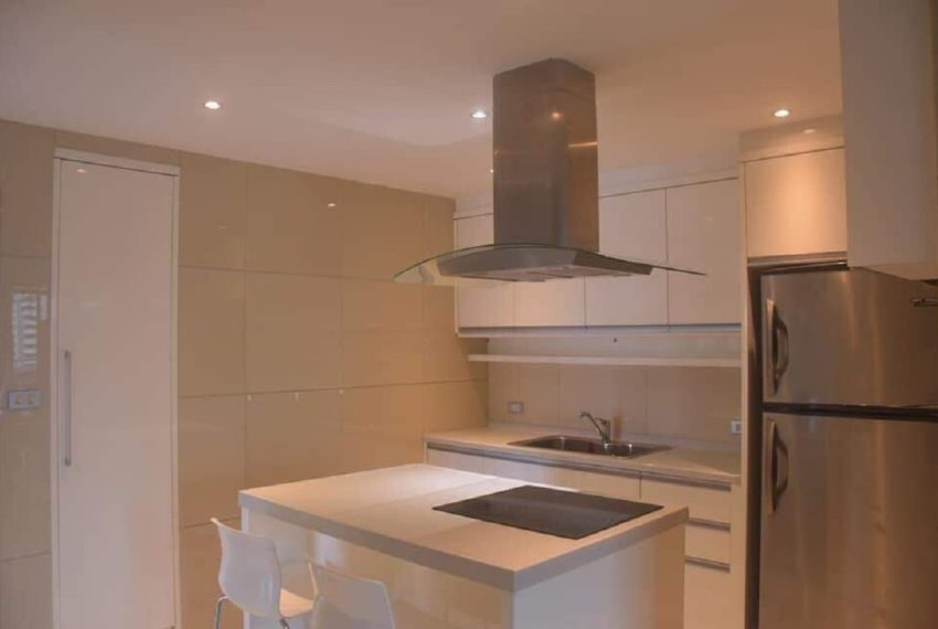 Supalai Place Sukhumvit 39-2 bed 2 kitchen room