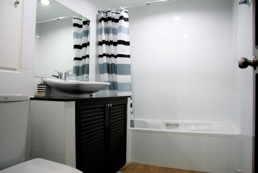 Supalai Place Sukhumvit 39 - bathroom