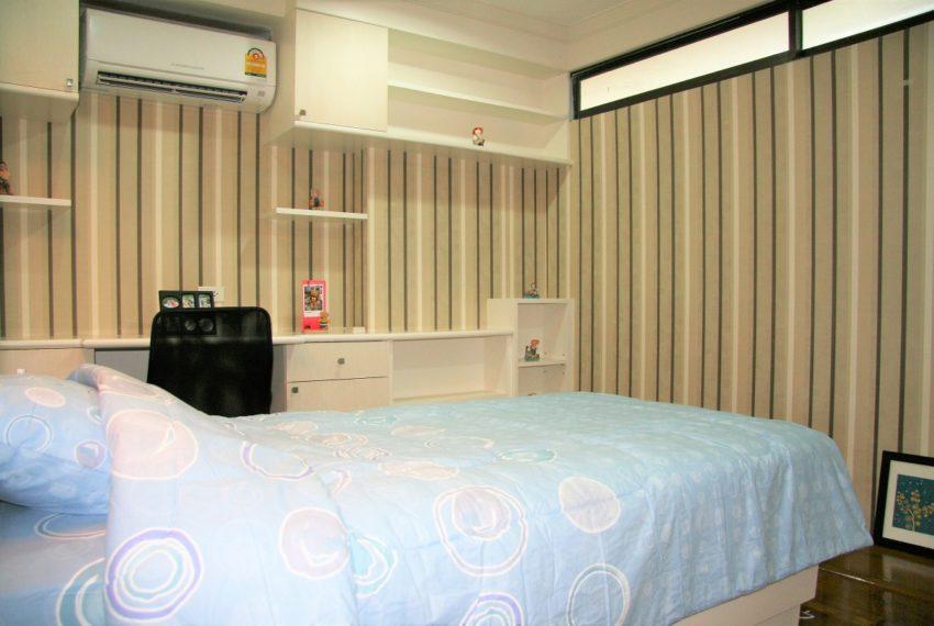 Supalai Place Sukhumvit 39 - bed