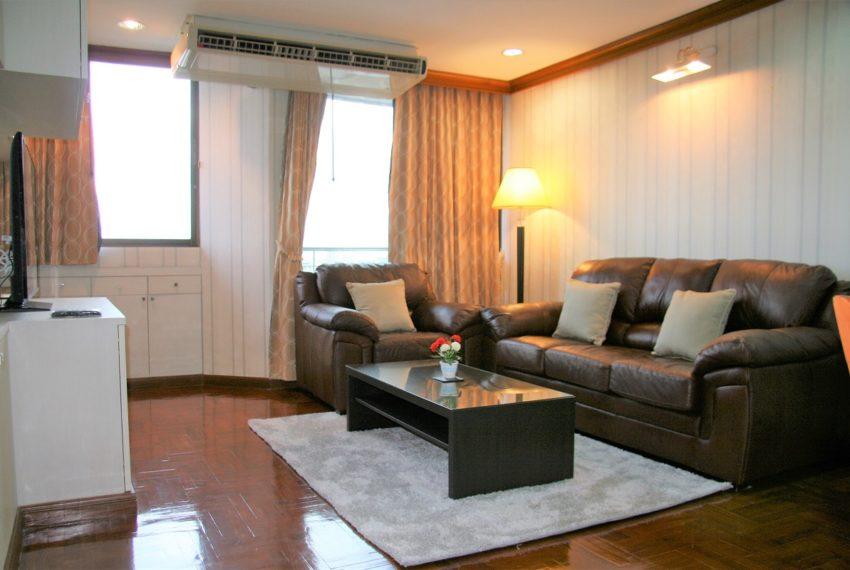 Supalai Place Sukhumvit 39 - living room