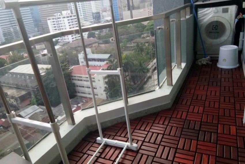 Supalai-Premier-Asoke-1b1b-balcony