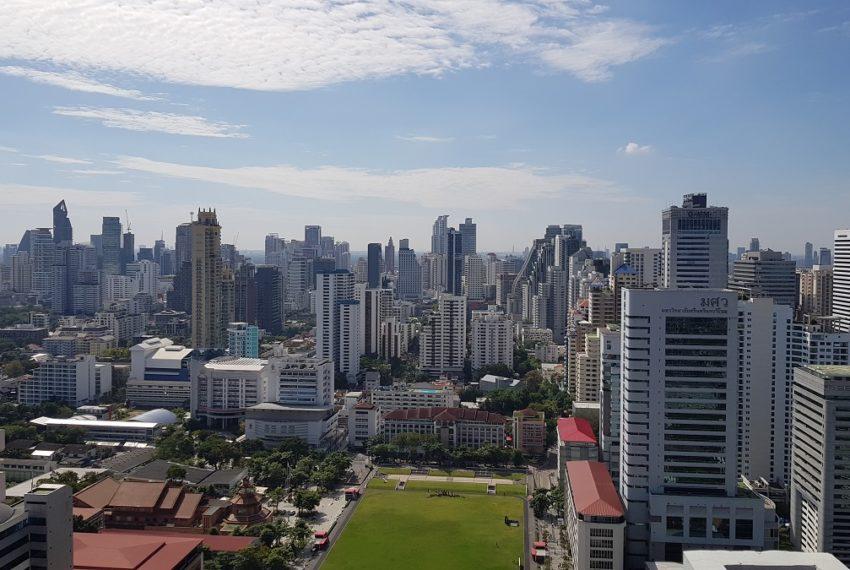 Supalai-Premier-Asoke-Bangkok-condo-SWU-view