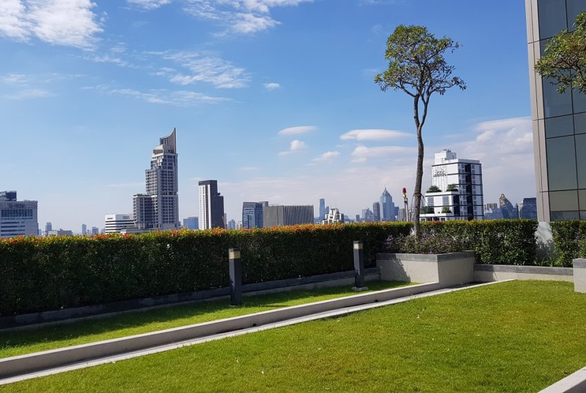 Supalai-Premier-Asoke-Bangkok-condo-sky-lounge