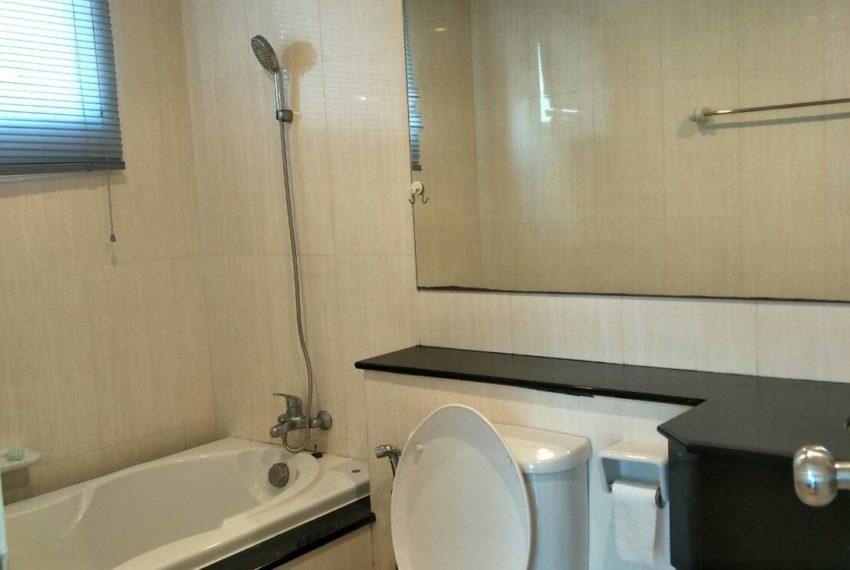 Supalai-Premier-Place-Asoke-2-bedrom-Sale-toilet