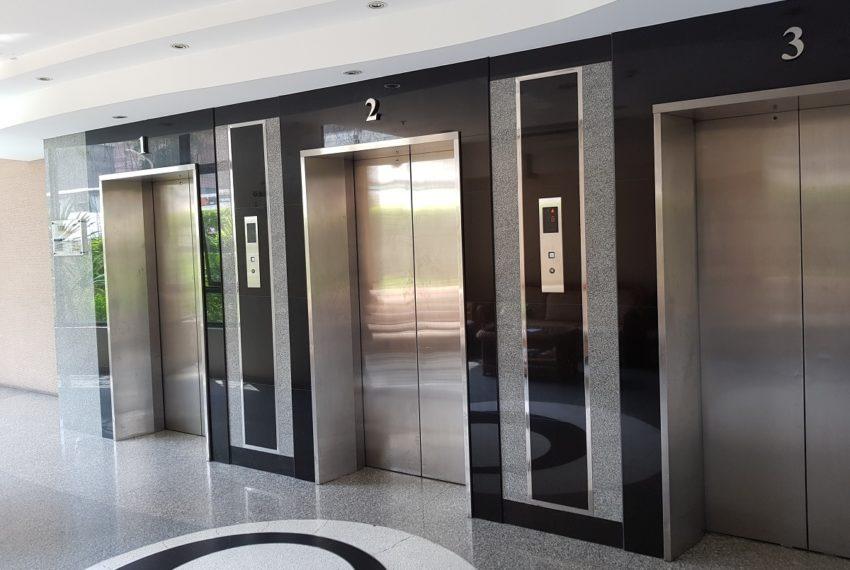 Supalai Premier Place Asoke - elevators
