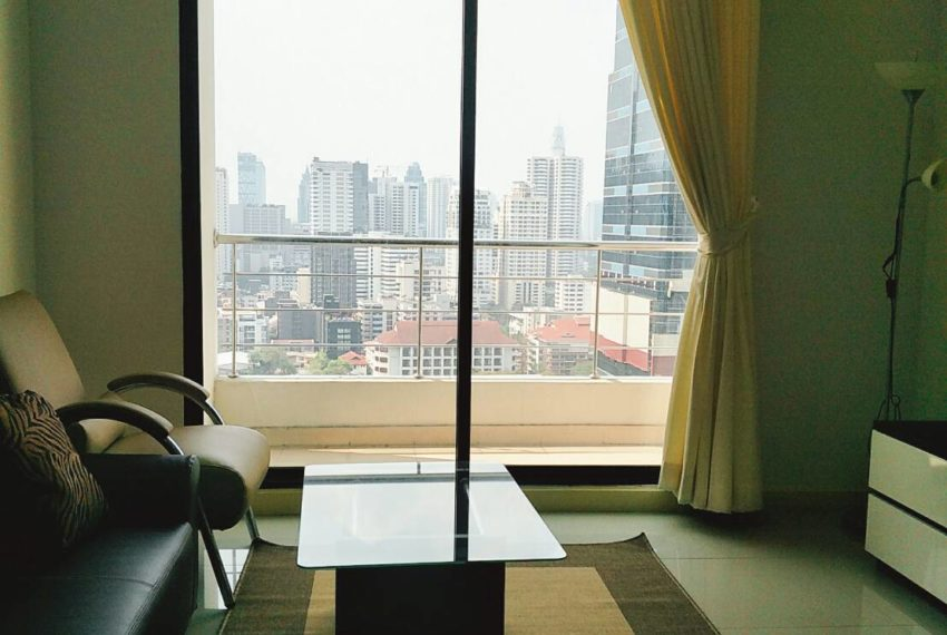 Supalai Premier Place Asoke-sales-living room1