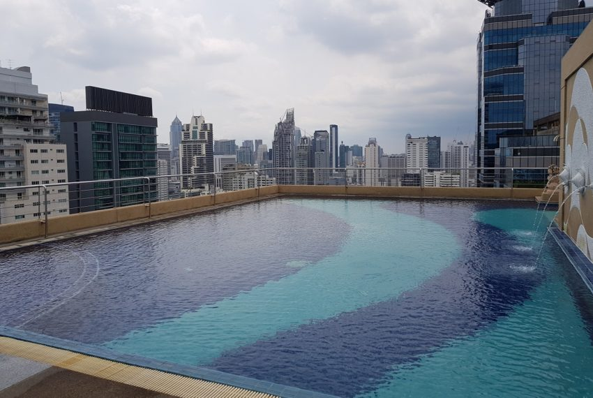 Supalai Premier Place Asoke - swimming pool