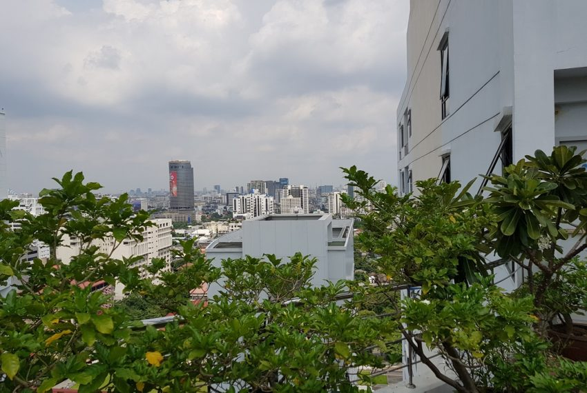 Supalai Premier Place Asoke - view from garden on roof
