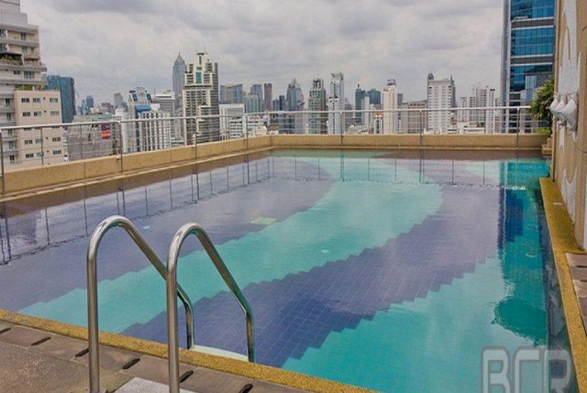 Suplalai Prmier Place Asoke - roof swimming pool