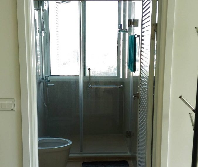 TCGreen-1b1b-33FL-Bathroom