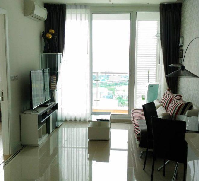 TCGreen-1b1b-33FL-Livingroom1.1