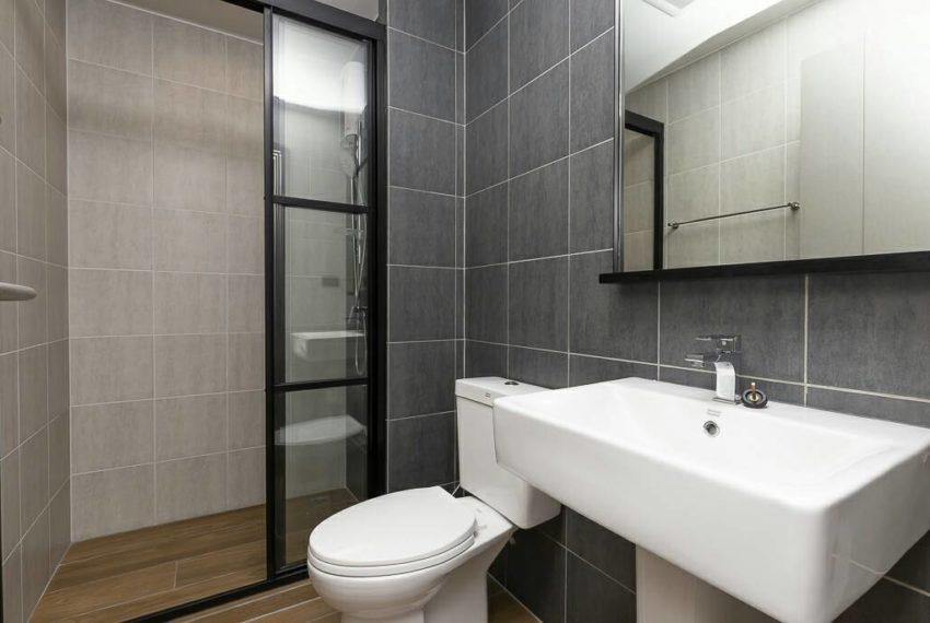 THE BASE Garden Rama9-Rent-bathroom