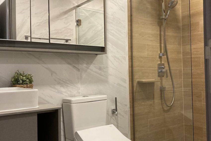 TakaHaus_Bathroom2_Sale
