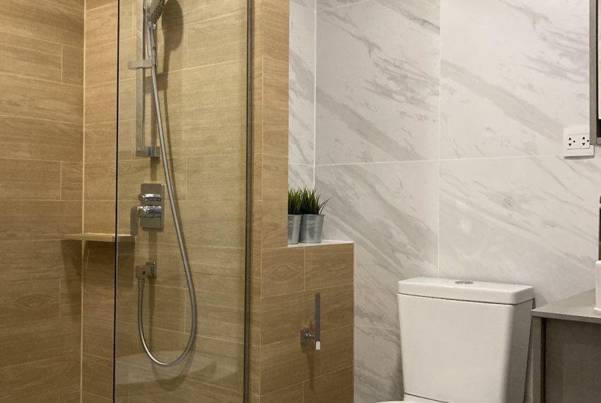 TakaHaus_Bathroom_Sale