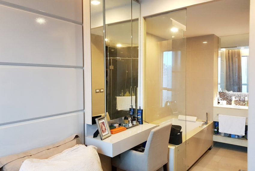 The Address Asoke 1 bedroom high floor for sale - bathroom